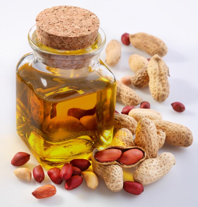 Арахисовое масло (oil of arachis hypogaea) q.s.